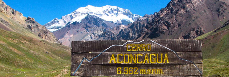 Cerro Aconcagua desde a Laguna Horcones