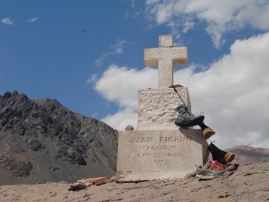 Cementerio-de-los-Andinistas