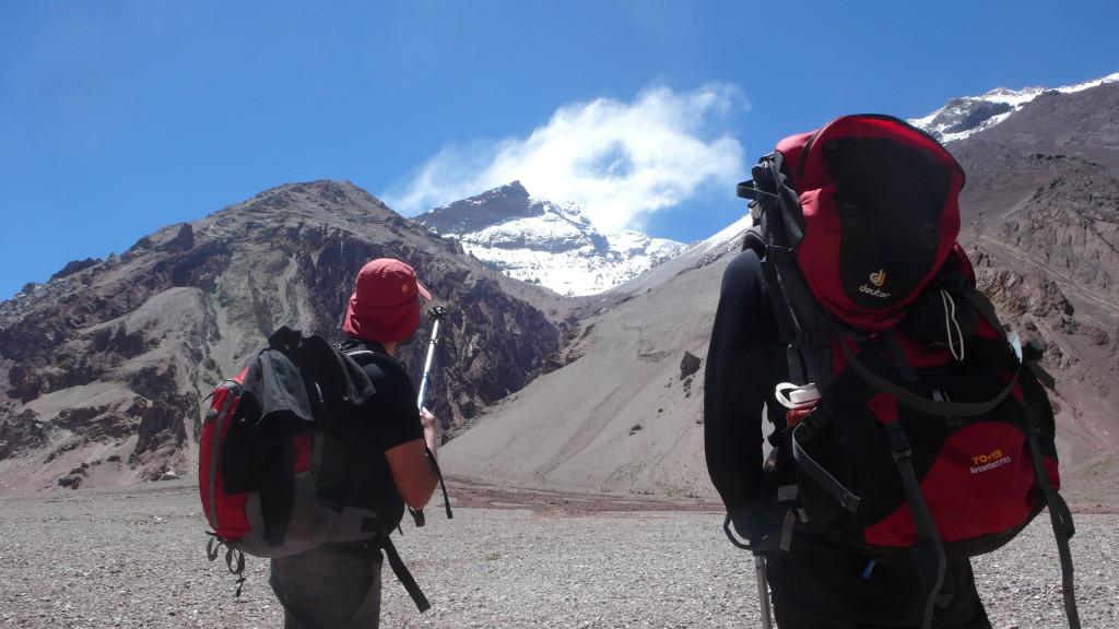 Vista do cume Pirámide durante a aproximação ao Aconcágua - Foto de Maximo Kausch